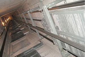 Cấu tạo thang máy không phòng máy và có ...
